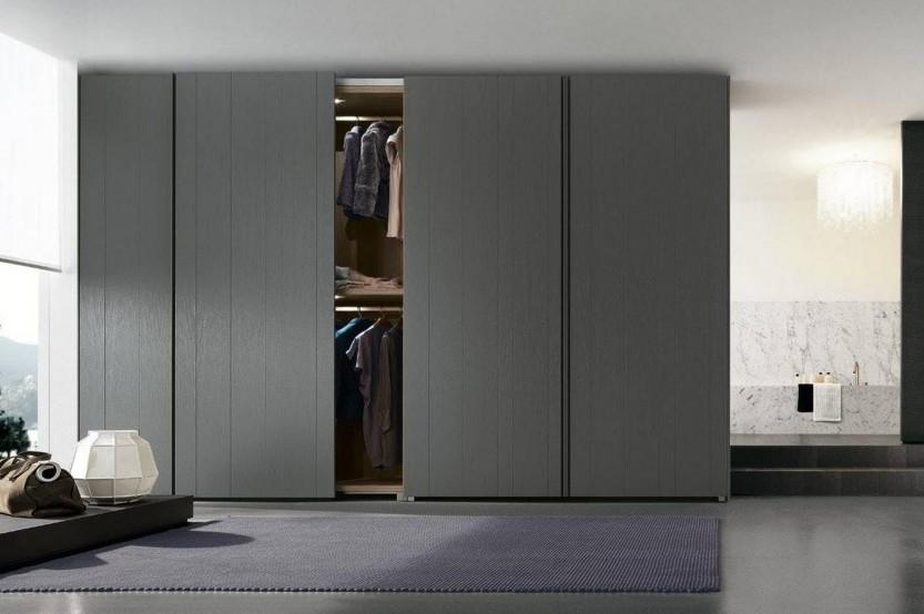 Dulap gri glisant pentru un dormitor Dormitoare din MDF la comanda