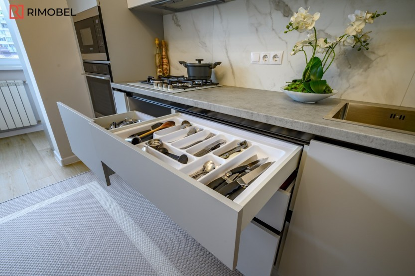 Кухня модерн, Сынжера, улица Куза Водэ, 17 Современные кухни la comanda