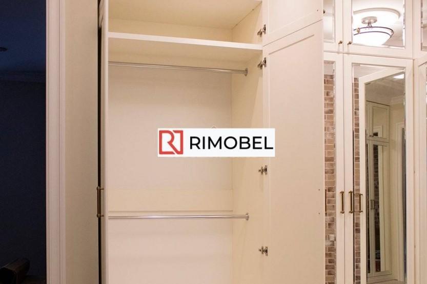 Встроенный шкаф для прихожей зеркальный Классические шкафы mobila