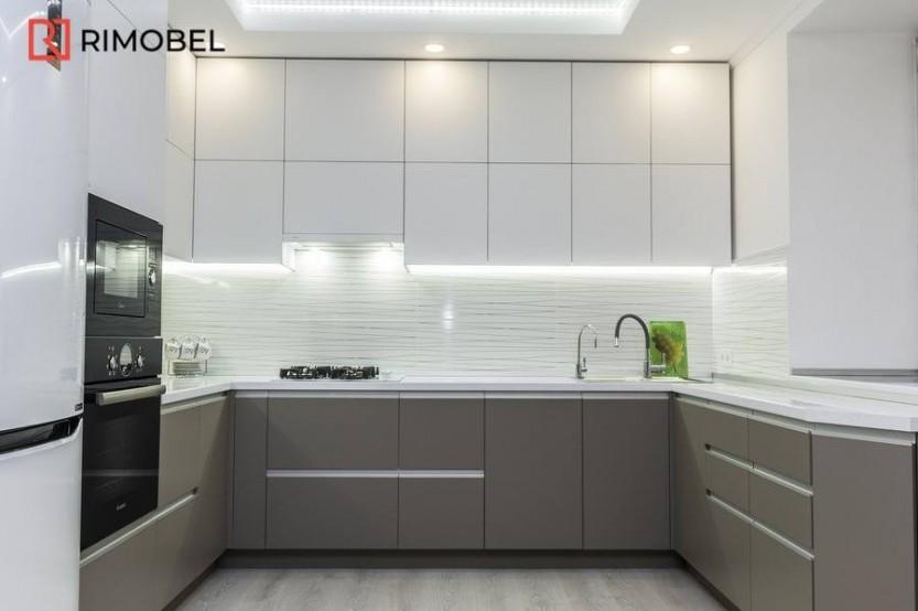 Bucătărie gri cu alb str. Teilor 22, Chișinău Bucătării moderne la comanda