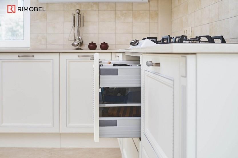 Bucătărie MDF vopsit stil neoclasic Bucătării mdf vopsit la comanda