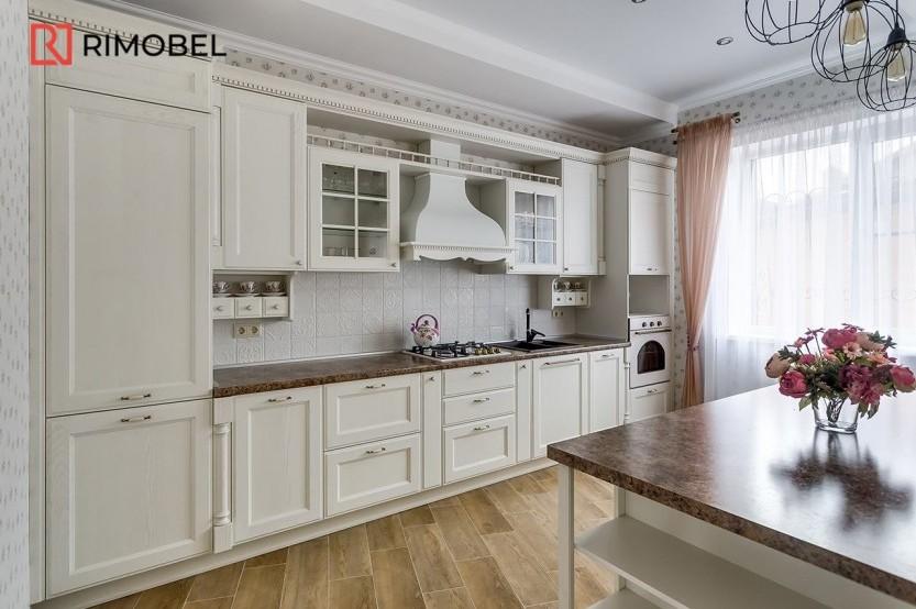 Bucătărie neoclasică cu insulă Bucătării Neoclasice mobila