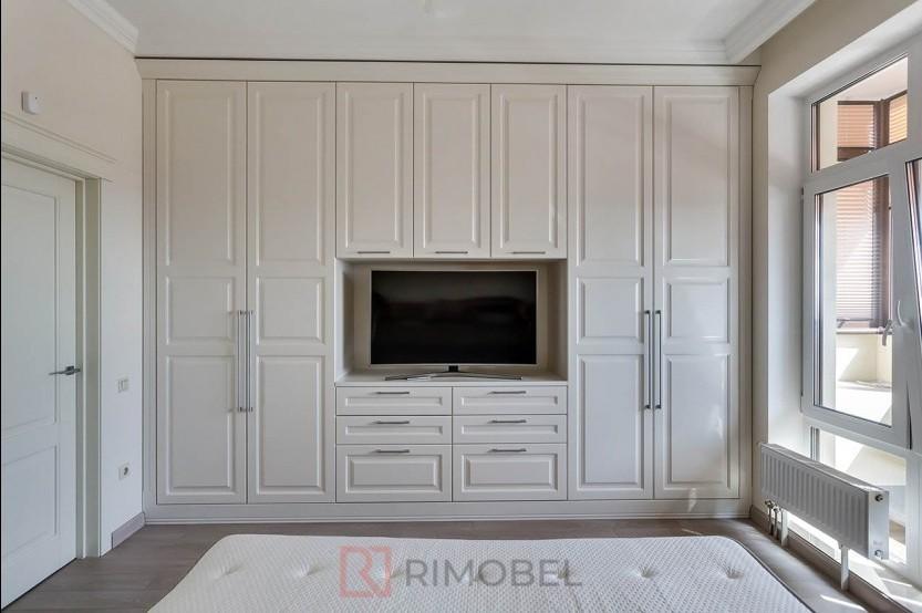Dulap în stil neoclasic pentru dormitor Dulapuri în dormitoare la comanda