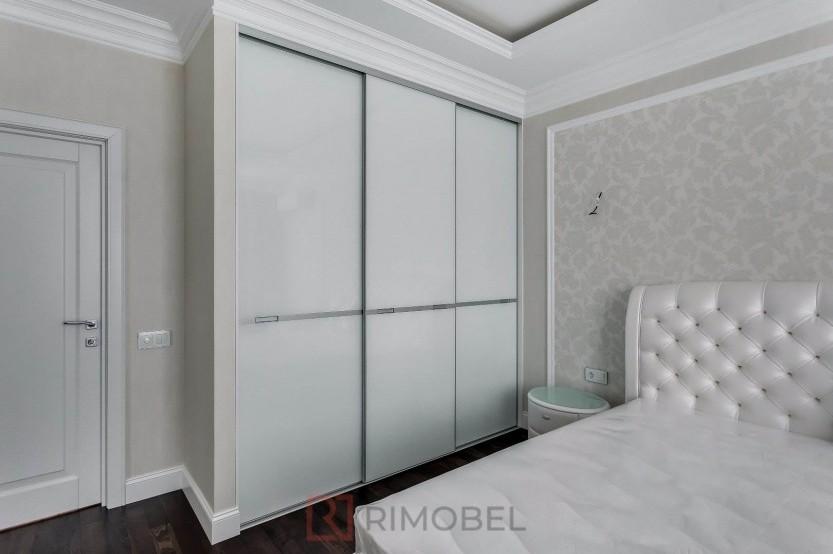 Dulap pentru dormitor cu uși glisante Dulapuri în dormitoare la comanda