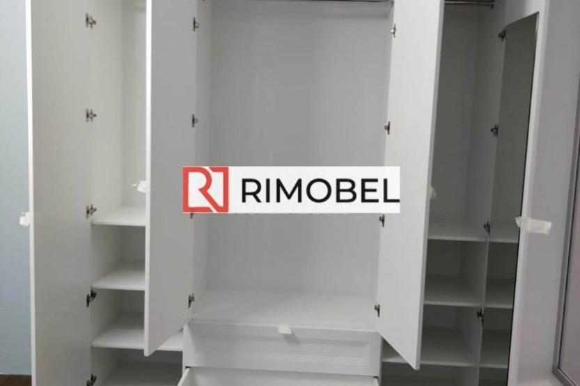 Dulap alb într-un dormitor cu arcade Sifonier  mobila