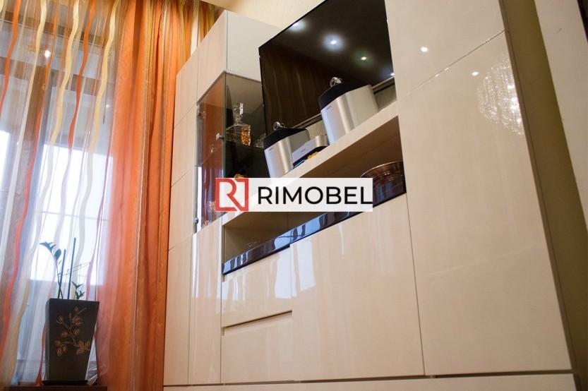 Белая стенка под ТВ для гостиной Шкафы в гостиной la comanda