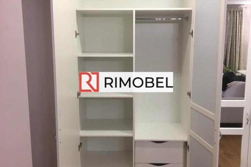 Шкаф в классическом стиле белый Шкафы в гостиной mobila