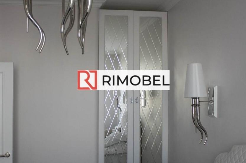 Белый встроенный шкаф для спальни с зеркалам Гардеробная la comanda